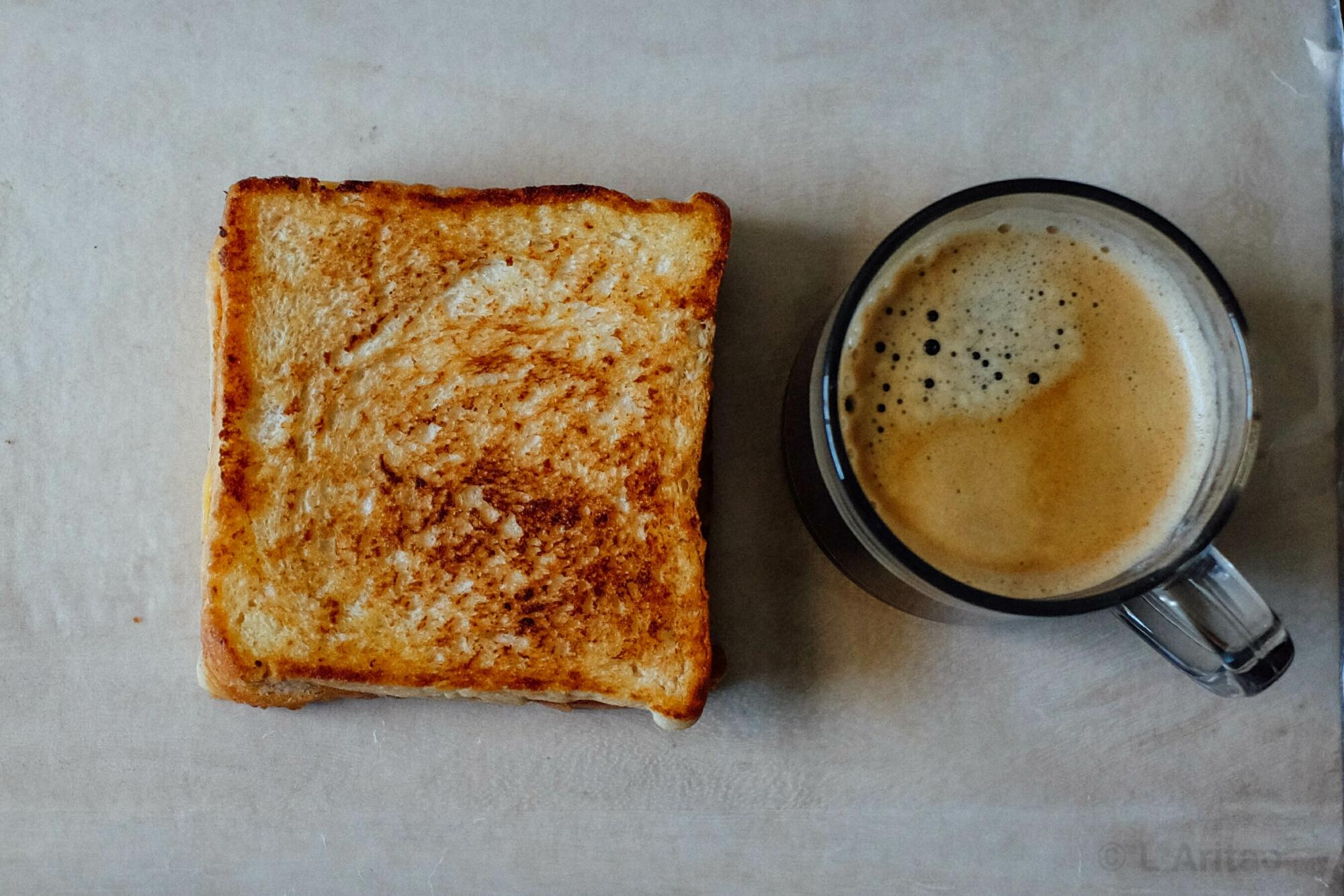 ผลการค้นหารูปภาพสำหรับ coffee and sandwich